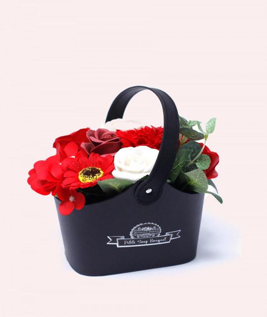 Маленькая корзина цветов из мыла, Красная